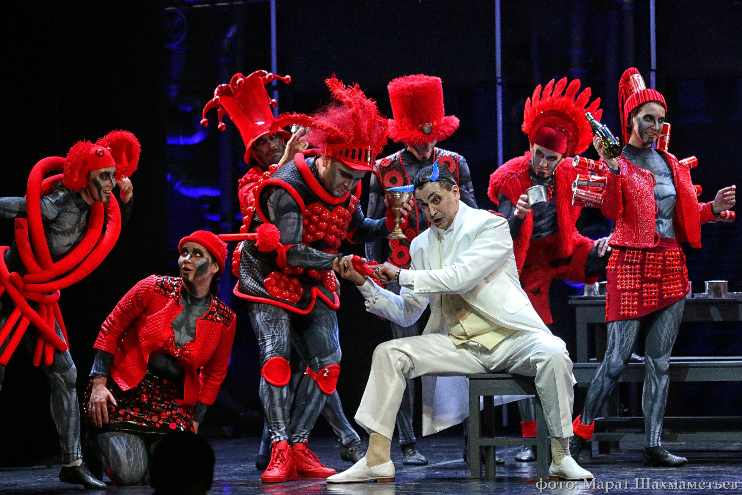 """Маргарита в шерстяных носках. """"Фауст"""" на сцене Санкт-Петербурга"""