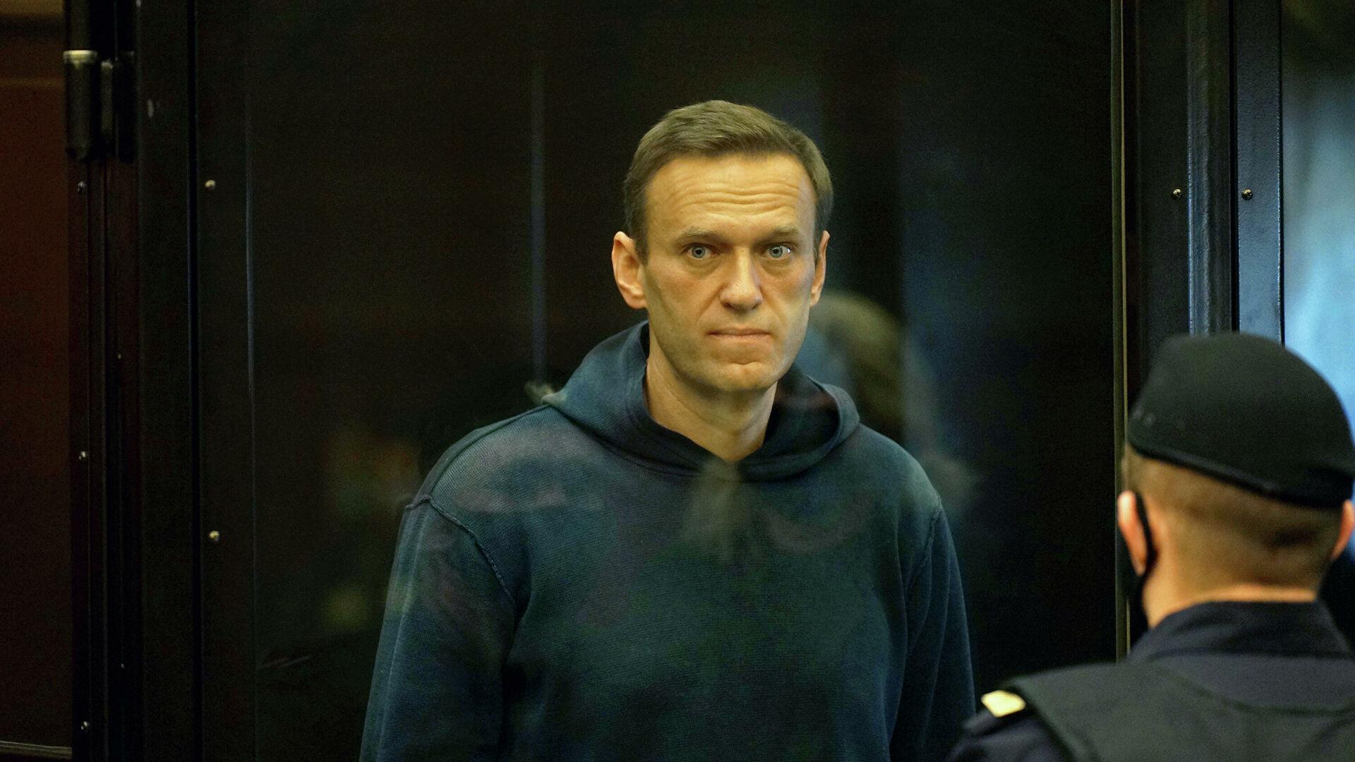 Не дадим свершиться трагедии: во владимирской колонии убивают Навального