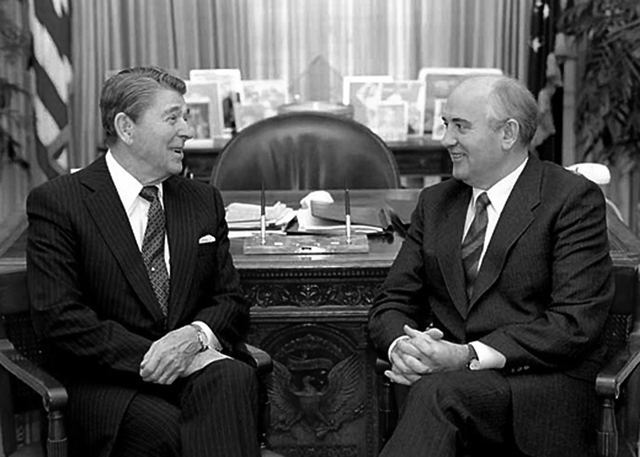 rejgan gorbachev w.jpg