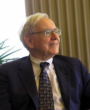 Один из самых знаменитых инвесторов нашего времени Уоррен Баффет (его состояние оценивалось в 2013 году в 58.5 млрд долларов) отличается весьма непритязательным образом жизни. До недавнего времени он жил в доме, в каких живут сотни тысяч представителей среднего класса США, ездил на нероскошной машине, а его зарплата в 2013 году была только 100 тысяч долларов. Вместе со своим другом, основателем «Микрософт» миллиардером Биллом Гейтсом (тоже одним из самых богатых людей на Земле), они основали многочисленные фонды и вкладывают деньги в благотворительность.