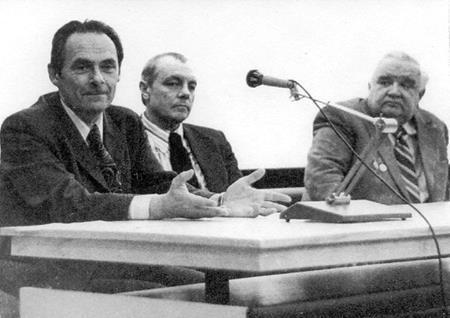 Д.Храбровицкий и актёры К.Лавров и В.Хохряков на встрече со зрителями. 1976 г.