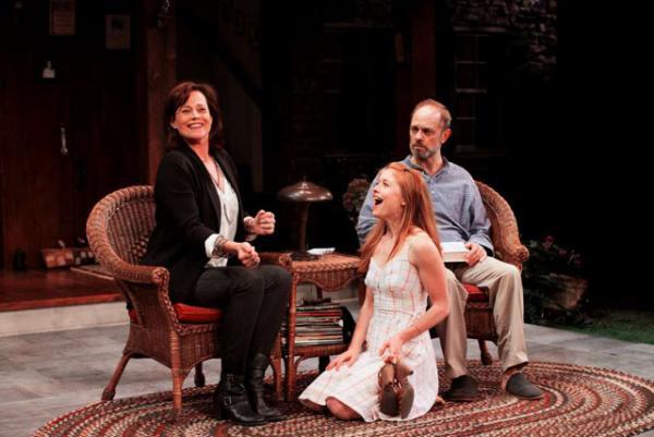 Слева направо: Сигурни Уивер, Дженевьив Энджелсон и Дэвид Хайд Пирс в спектакле Ваня и Соня, и Маша, и Спайк»